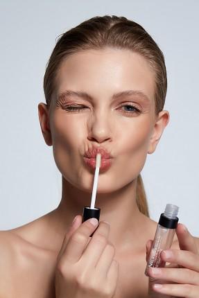 Lipgloss 01 -Lip Gloss Thumbnail