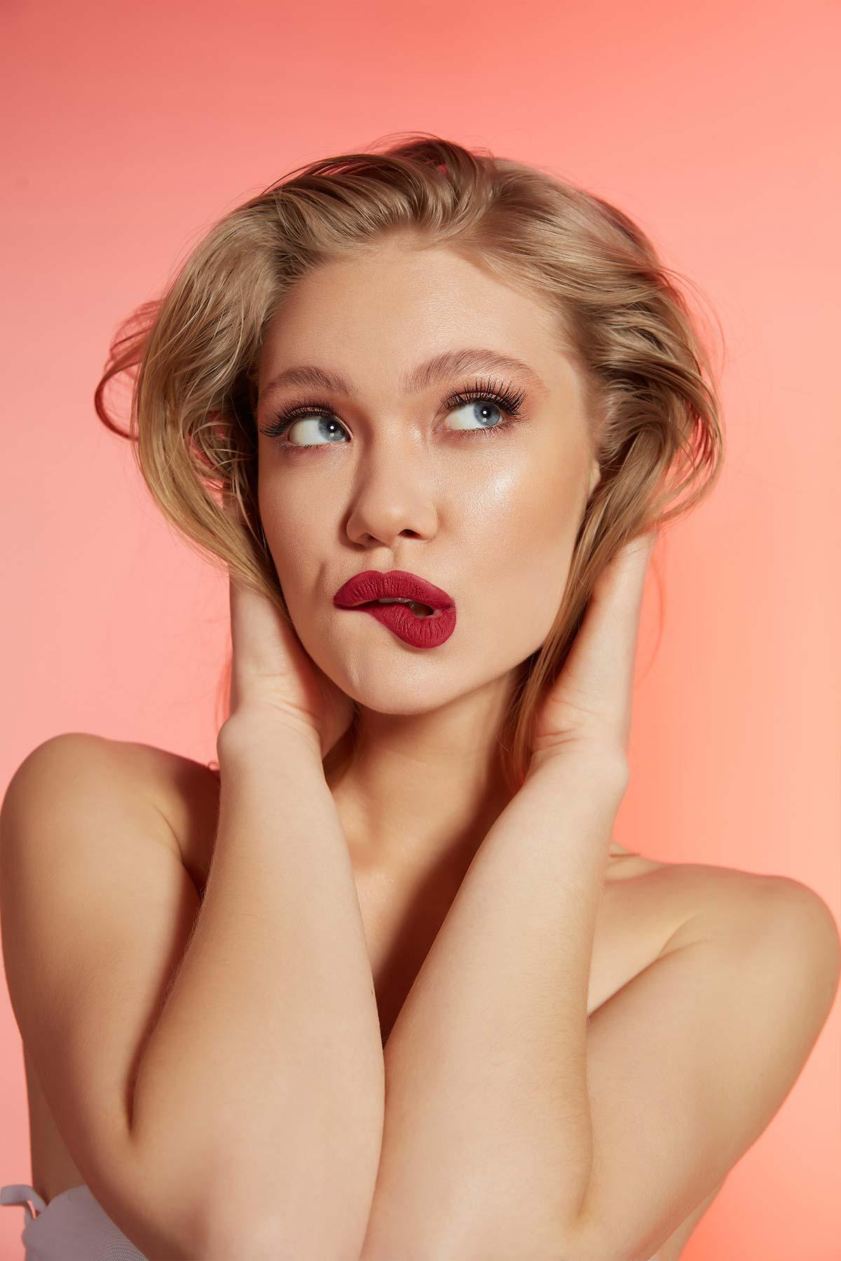 Liquid Lipgloss - 208 -Lipstick Thumbnail